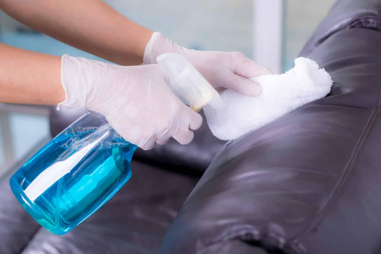 מחיר חומר לניקוי ספת עור